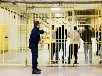 Centinaia di estremisti islamici presto liberi in Europa