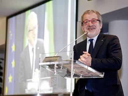 Maroni ricoverato in ospedale: malore per l'ex ministro