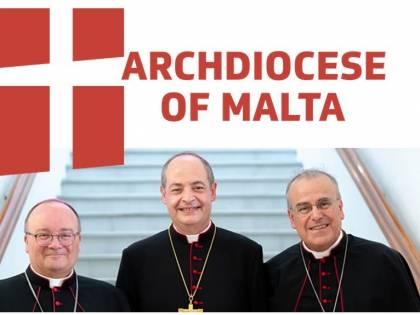 """Il vescovo di Malta ammonisce: """"Dio è nel mare insieme ai migranti"""""""