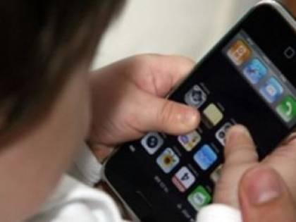 Occhio allo smartphone: ecco quelli che emettono più onde elettromagnetiche