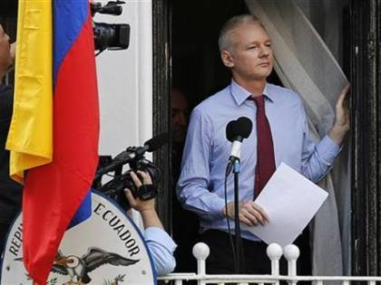 L'Ecuador pronto a revocare l'asilo ad Assange?