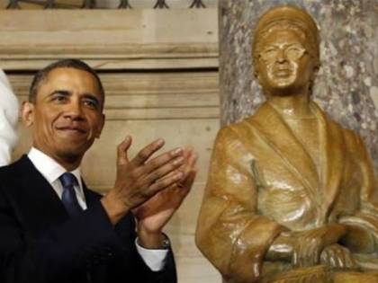 Detroit, acquistati all'asta cimeli di Rosa Parks e Malcom X
