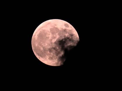 La notte della Luna rossa. L'eclissi totale in diretta