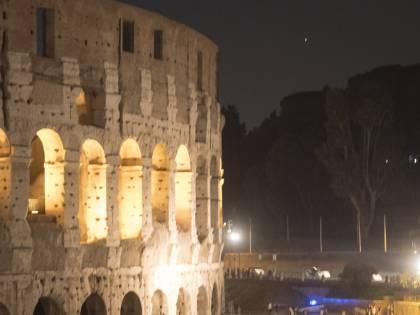 Lo spettacolo dell'eclissi al Colosseo