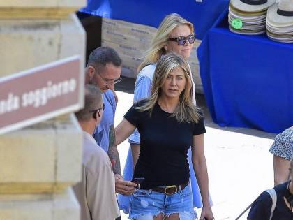 Jennifer Aniston e Adam Sandler a Malpensa: ciak si gira