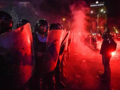 """Il """"democratico"""" governo romeno massacra i manifestanti: 440 feriti"""