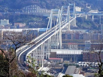 Genova, nei primi anni Novanta fu bloccata la costruzione di un nuovo ponte vicino al Morandi