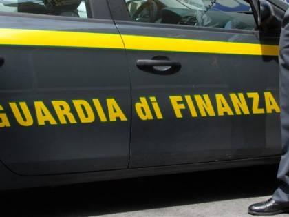 Arezzo, finto lavoro per avere permessi soggiorno: stranieri indagati