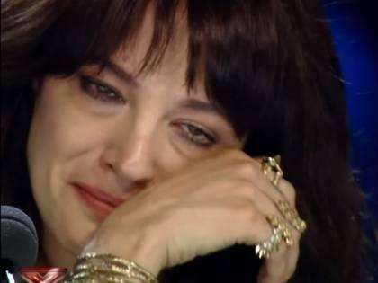 X Factor 12, Asia Argento in lacrime  per la canzone che le ricorda Bourdain