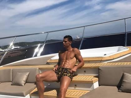 Cristiano Ronaldo pubblica una foto su Instagram: Lucas Vazquez lo punzecchia