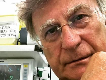 Il conduttore Red Ronnie in ospedale a Sanremo per il dolore a una costola