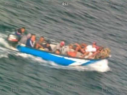 Dall'Algeria alla Sardegna: così i migranti provano a farla franca