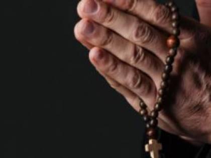 I preti sposati chiedono di tornare a dire messa