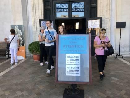 Borseggi e truffe ai turisti: le chiese di Roma prese di mira dai rom