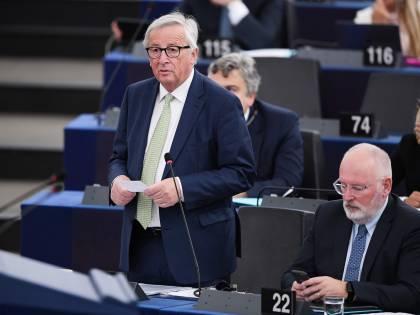 """Ue, Juncker va all'attacco: """"Combattiamo il populismo finché siamo in tempo"""""""