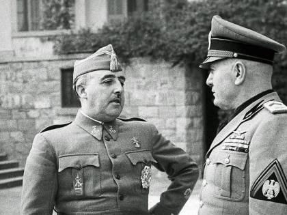 """In Spagna chiedono aiuto al Papa: """"Non prendete la salma di Franco"""""""