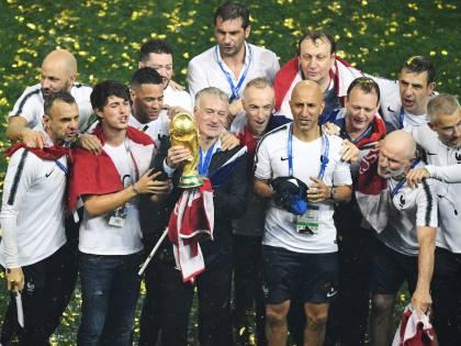 """Deschamps preoccupato: """"Si gioca troppo, il calcio rischia di esplodere"""""""