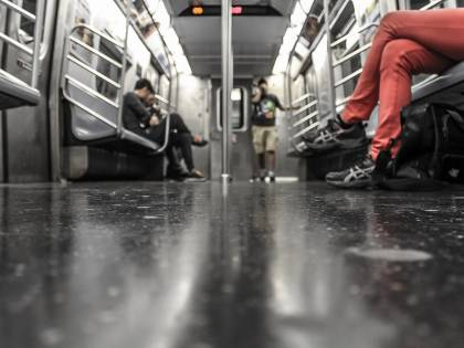 "Milano. Guerra ai ""portoghesi"" in metropolitana"