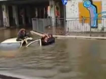 Maltempo, Francavilla al Mare: salvata da un passante