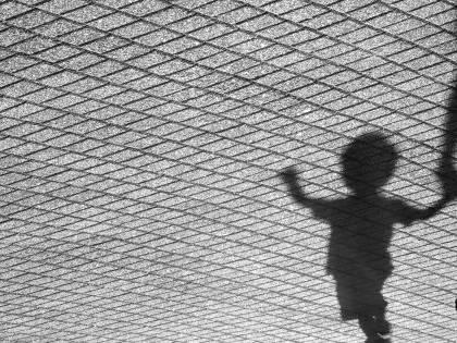 Finlandia, pedofilo stupra bimba ma i giudici lo graziano
