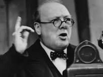 """""""Churchill era bizzarro, coraggioso e ironico. Un leader con i fiocchi"""""""