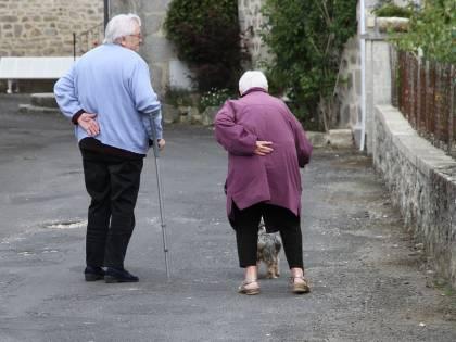 Sono sposati da 62 anni: muoiono lo stesso giorno