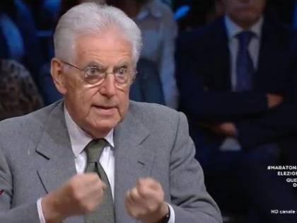 """Monti passa agli insulti: """"Gli italiani sono evasori pettinati dal governo"""""""