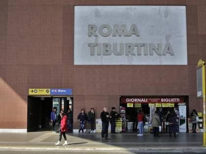 Roma, 30enne  picchiata e derubata da africano, è polemica