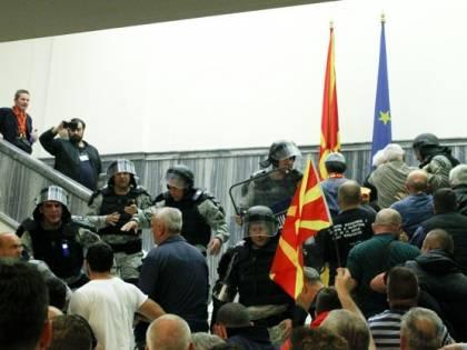 Fugge in Ungheria l'ex premier macedone condannato per corruzione