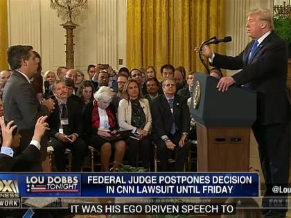 Giudice federale ordina alla Casa Bianca di restituire l'accredito al giornalista della Cnn