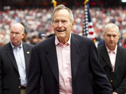 """I presidenti Usa piangono Bush. Trump: """"Ha ispirato generazioni di americani"""""""
