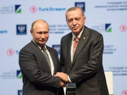 Putin incontra Erdogan: sul tavolo Siria e gas
