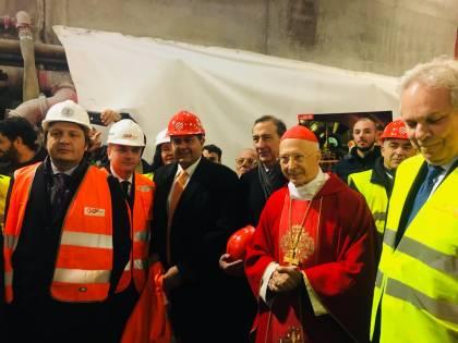 """Terzo Valico, il cardinal Bagnasco in galleria: """"Quest'opera si deve fare"""""""