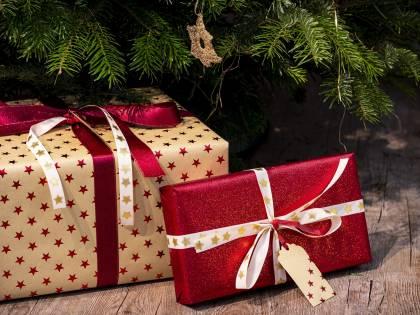Regali di Natale: tutti i trucchi per risparmiare