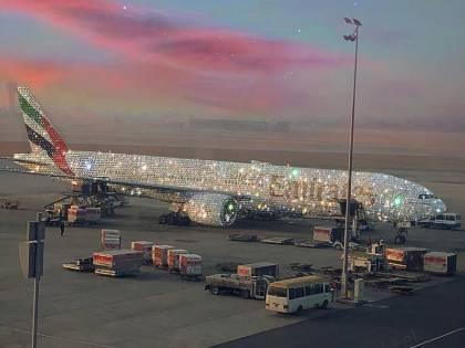Emirates presenta aereo ricoperto di diamanti, ma in realtà non esiste