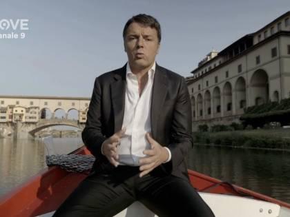 Impacciato e gesticolante Renzi si fa del male in tv