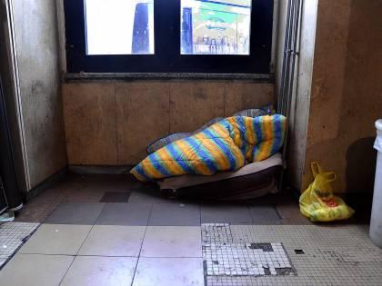 Torino, senzatetto aggredisce operatore della Croce Rossa