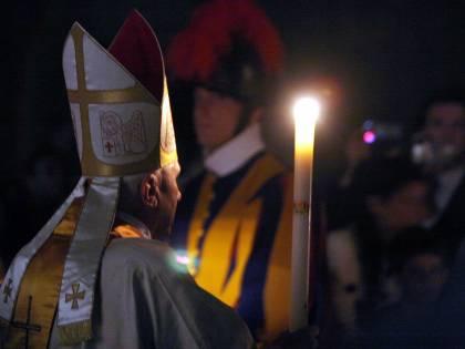 """Ratzinger: """"Il celibato è indispensabile, non posso tacere"""""""
