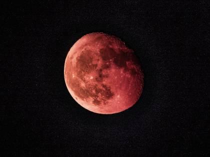 Eclissi di Luna: alcuni temono la fine del mondo