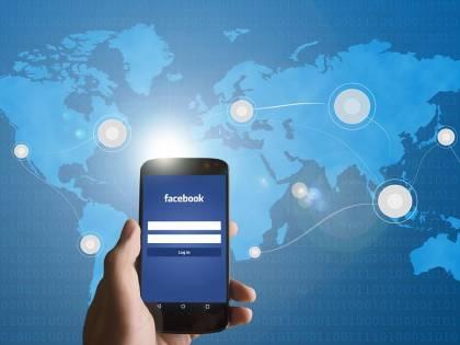 Troppo Facebook al lavoro, il licenziamento è giusto. Lo dice la Cassazione