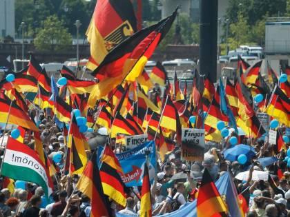 Germania, la Merkel trema: Afd raggiunge la Cdu in Sassonia