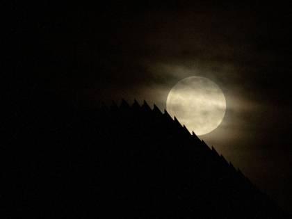 Super Luna Rossa, le immagini dell'eclissi da tutto il mondo