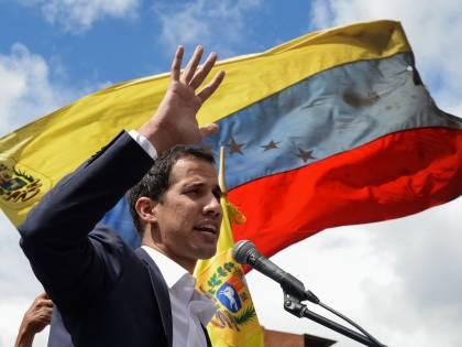 """Venezuela, i governi europei appoggiano Guaidò. Ma la Russia: """"Colpo di Stato"""""""