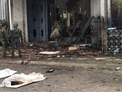 Filippine, due bombe esplodono davanti alla chiesa