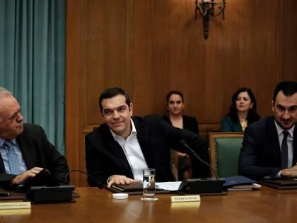 Grecia, Tsipras alza il salario minimo a 650 euro