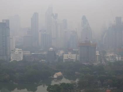 Bangkok, smog raggiunge livelli record: chiuse oltre 400 scuole