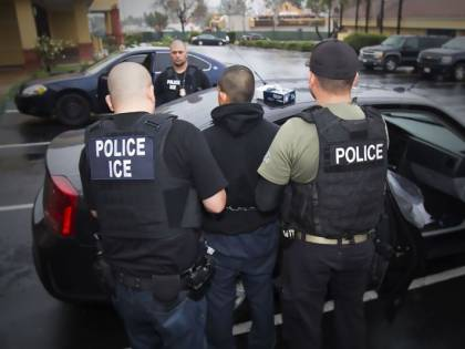 """Polizia Usa scova clandestini indiani grazie a una """"finta università"""""""