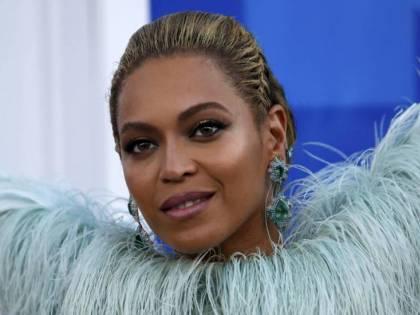 "Beyoncé con Jay -Z lancia un contest sui social. ""Concerti gratis se diventi vegano"""