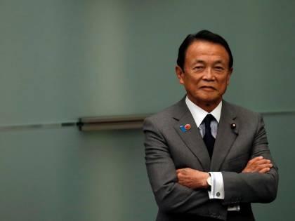 Giappone, il ministro delle Finanze rimprovera i single per il calo demografico