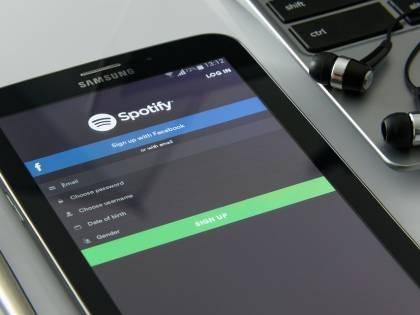 La corsa di Spotify all'intrattenimento audio è in attivo